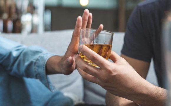 Tomar alcohol todos los días puede acelerar el envejecimiento cerebral